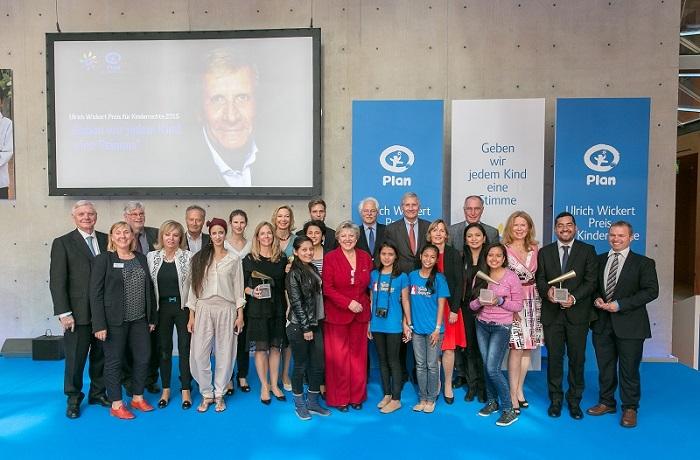 Journalisten mit Ulrich Wickert Preis für Kinderrechte 2015 geehrt